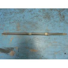 (01)  Wheel Axle,Rear, 868.5mm
